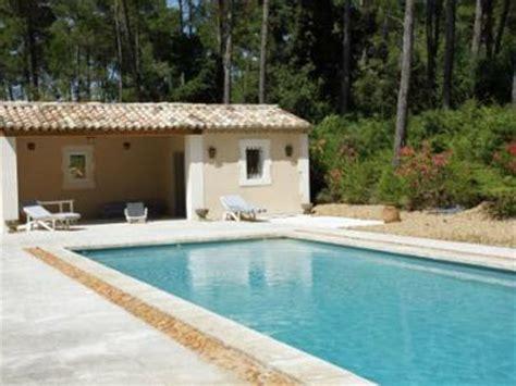 Mas, piscine privée, Mas près d'Avignon sur un hectare, à Barbentane, Bouches du Rhône, location