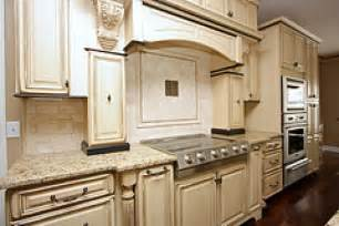 Glazing Kitchen Cabinets by Glazed Kitchen Cabinets These Kitchen Cabinets Are