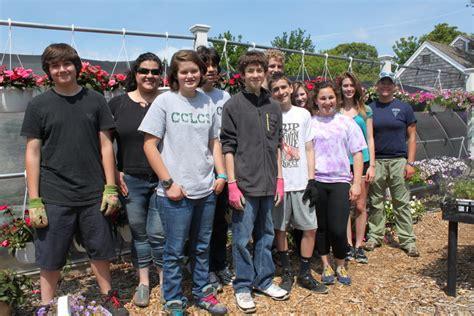 cape cod charter school students volunteer at cape abilities farm cape abilities