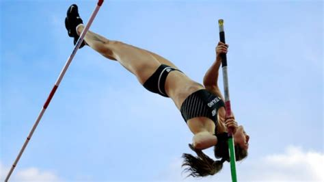 the pole vault chionship of the entire universe books live kiwis hopes at world athletics chs rest with tom