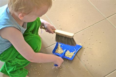 five things essential items for the montessori child
