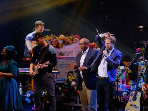Dianas Sons Pay Homage At Concert by Who Will Sing At Prince Harry And Meghan Markle S Wedding