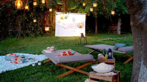 backyard cinema 15 diy ideas to create a heavenly backyard