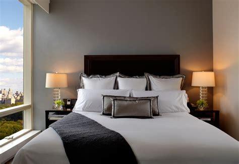 ini alasan kasur hotel selalu berwarna putih lsu
