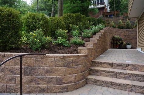 Retaining Wall Stairs Design Cornerstone 100 Retaining Wall Cornerstone Block Walls