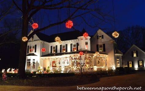 victorian home lit   christmas holiday