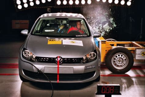Wo Ist Der Sicherste Platz Im Auto Für Einen Kindersitz by Crashtest Ranking Ncap Bilder Autobild De