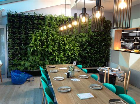 Vertical Garden Restaurant Waterfront Restaurant Gets Stunning Vertical Garden