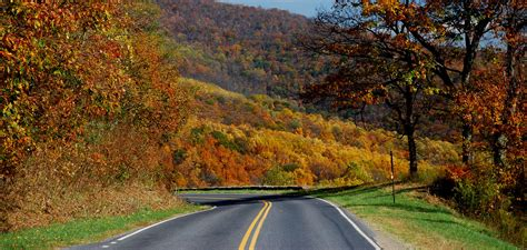 the 25 most scenic highways 4 road trips with tom the 25 most scenic highways vol 1 1 5 road trips