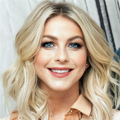 julia hough new haircut julianne hough got a perm but it s not what you think
