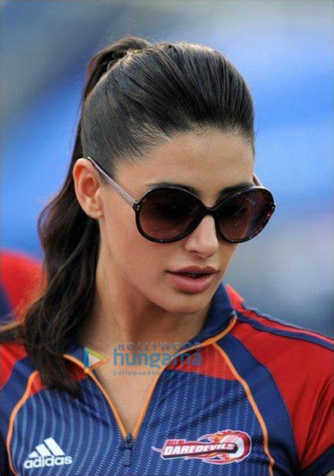 by bollywood hungama news network apr 30 2012 1405 ist check out nargis cheers for delhi daredevils bollywood