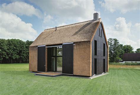 kleines haus bauen kosten haus mit pelz reetdachhaus f 252 r ferieng 228 ste