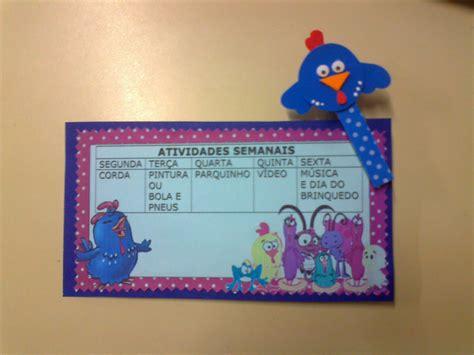 artes da adriana painel de sala de aula da galinha pintadinha