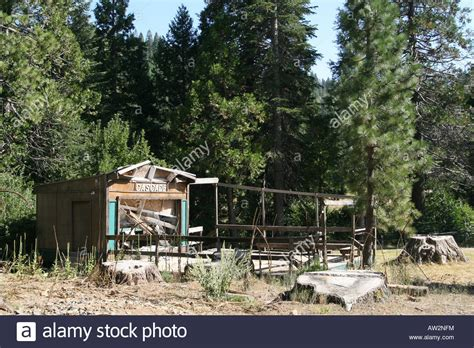 an hotel bar and cabins at cascade high in the