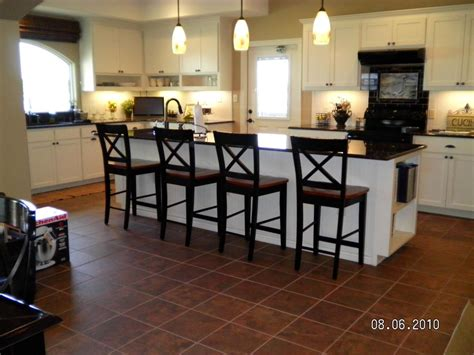 Kitchen Island Stools And Chairs by Stools For Kitchen Islands