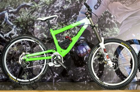 commencal supreme dh 2009 2009 commencal supreme dh team replica sick lines gallery