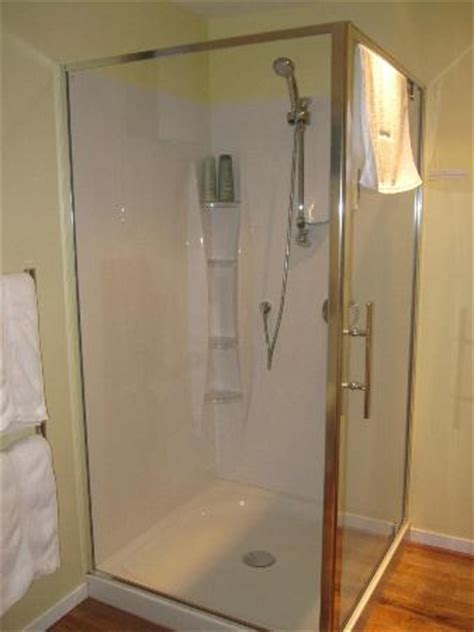 Large Standing Shower Large Stand Up Shower Picture Of Bellrock Lodge