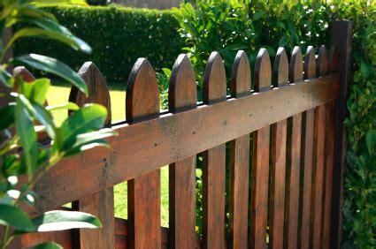 picket fence nashville fence and deck murfreesboro fence stain nashvilledecksandfences com