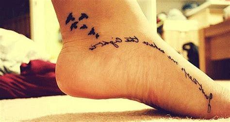 tatuajes frases en el pie