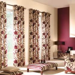 Elegant living room curtain with traditional design