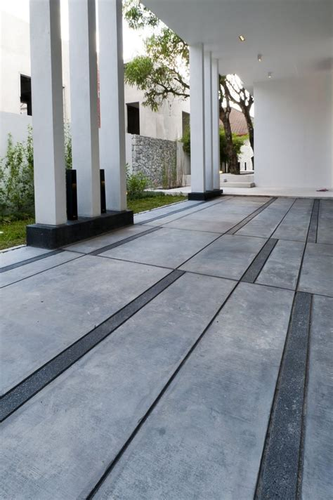 backyard floor design 25 best ideas about concrete slab on pinterest diy