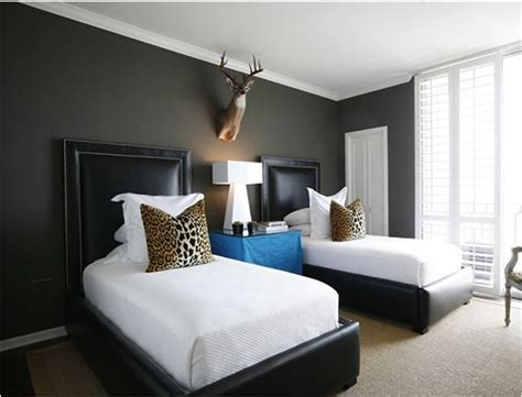 black bedroom walls decorating with black centsational
