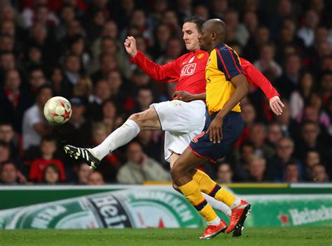 arsenal manchester united abou diaby in manchester united v arsenal uefa chions
