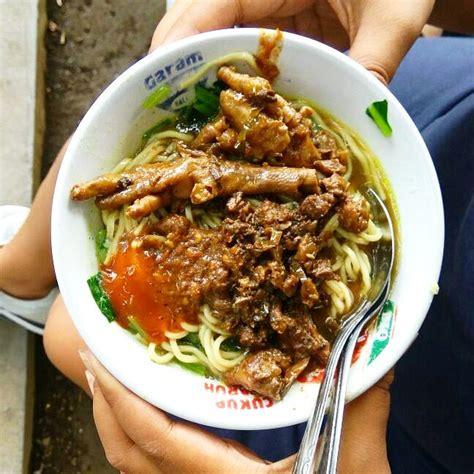 Pangsit Mie Mie Ayam belum gajian tetap bisa makan pangsit enak di malang lho nengbiker parking only