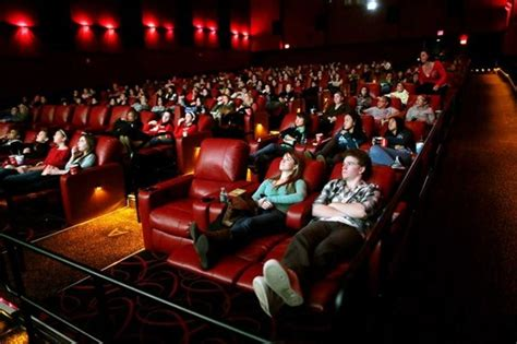 Amc Theatres With Reclining Seats by Amc To Accelerate Theater Improvements In Advance Of Age