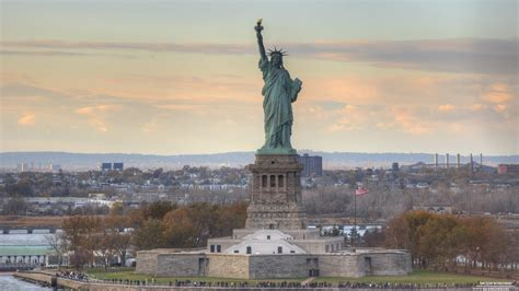 statue of liberty l liberty statue wallpaper www pixshark com images