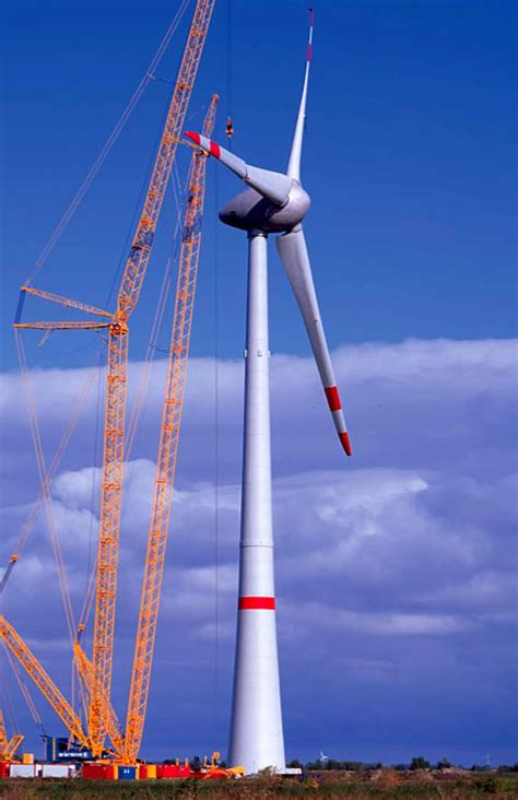 high hopes b c s biggest wind power project a logistical giant wind turbines littleclickers