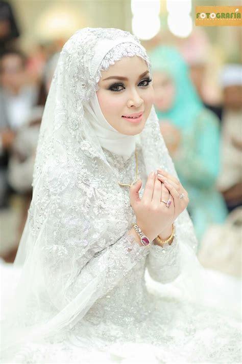 Tsq Hafizah Syar I Gold 17 best images about muslim wedding dress ideas on