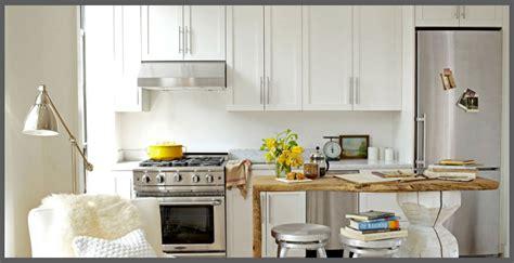arredamento cucina piccola una piccola cucina con le scarpe nel forno