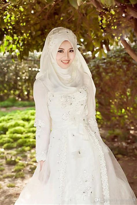 30 Best Muslim Wedding Couples   Girls in Hijab   Go and