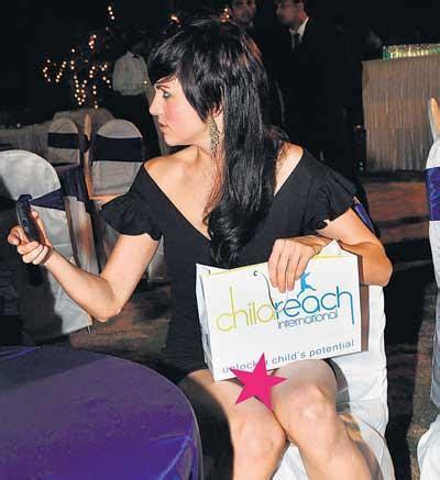 Miranda Pink Gamis Syari Hijabera yana gupta forgot something pinkvilla