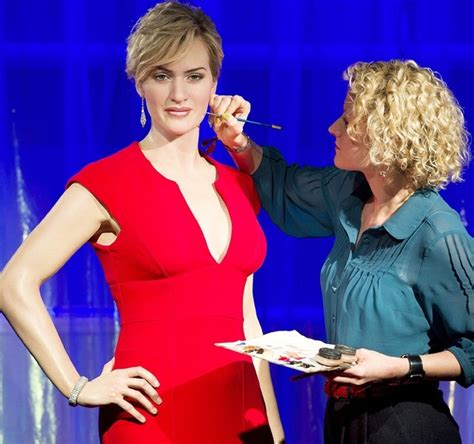 Wax Kate Unveiled by Winslet S Wax Statue Unveiled At Tussauds Indiatimes