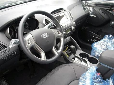 hyundai tucson ix 2010 interior img 9 it s your auto