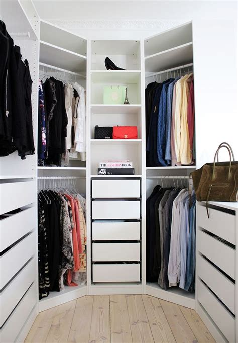 Walk In Wardrobe Drawers 4 Small Walk In Closet Organization Tips And 28 Ideas