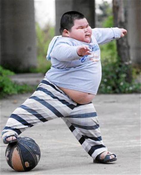 imagenes de niños obesos jugando videojuegos el 30 de los ni 241 os espa 241 oles son obesos