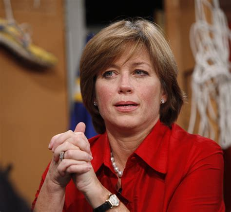 original dorothy hamill hair cut back view of wedge haircut short hairstyle 2013