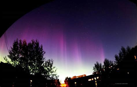 Solar Activity Northern Lights Solar Prompts Northern Lights Show In Southern Regions