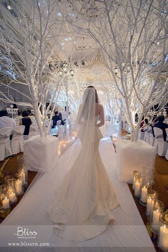 Christmas Winter Wonderland Decorations - white christmas wedding inspired by bliss wedding planner wedding weddingplanner