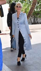 The Daily Mail Uk Fashion by Dame Helen Mirren Looks Impossibly Chic As She Arrives In