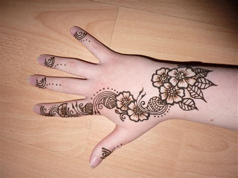 easy mehndi designs for hands for children layouts