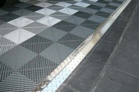Using Diamond Plate Transition Strips for Your Garage Tile