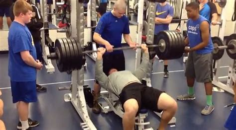 football bench press high school student braden smith s incredible bench press
