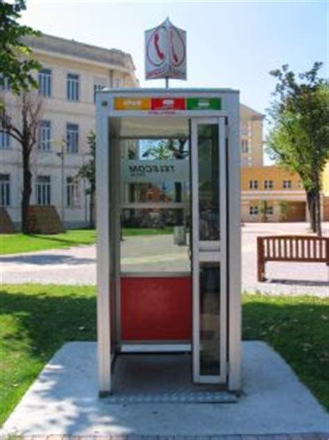 messaggi da cabina telefonica cabina telefonica non ritorna resto giovane cosentino la