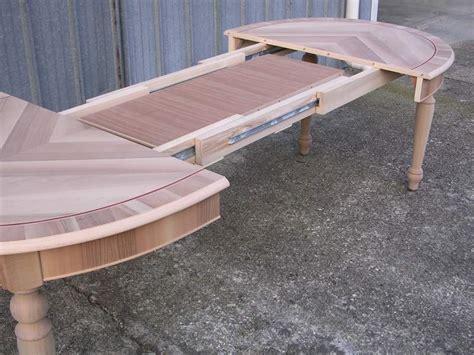 tavolo ovale allungabile tavolo ovale allungabile intarsiato nuovo a meda