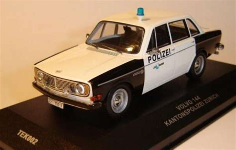 Ixo Land Rover Limited 799 volvo 144 quot kantonspolizei z rich quot 1 43 collector ch