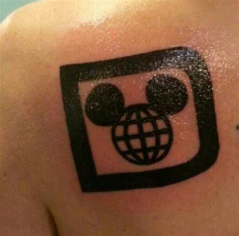 tattoo logo disney retro disney logo tattoo disney stuff i love pinterest